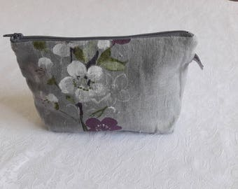 Makeup zip pouch in grey linen painted Eggplant coated cotton inside
