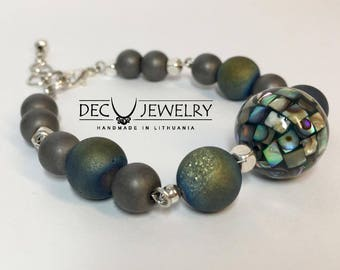 Women bracelet with natural stones