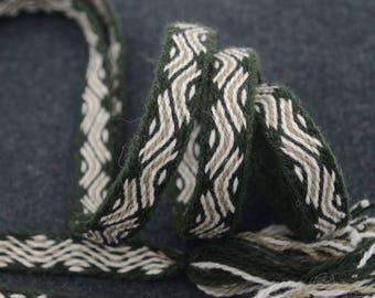 Handwoven belt / Tablet woven braid / Medieval woolen trim / Ladies belt / Viking tablet weaving / Medieval art / Green white / 20 mm strap