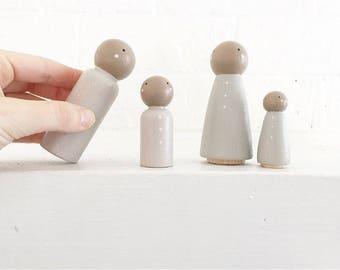 Simple family Peg Doll Set
