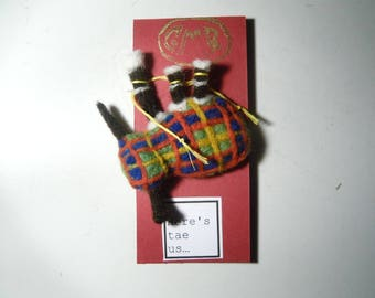 Needle felted Tartan Bagpipes Brooch