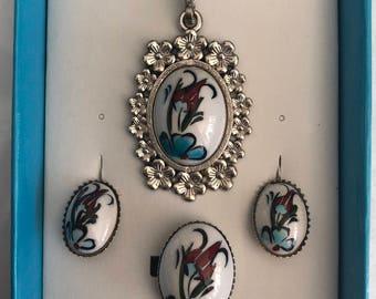 Ceramic Stoned Jewellery
