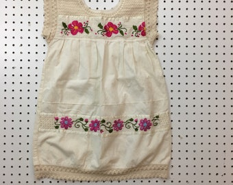 Vintage Girls Mexican Embroidered Dress size 4-6 years
