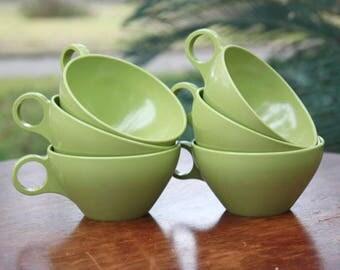 Vintage Avocado Green Plastic Melamine Melmac Coffee Tea Cups