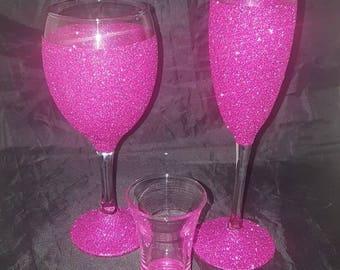 hot pink glitter glasses, wine glass, champagne flute, shot glass, glittered gifts, birthday gifts, glitter dipped glasses, glitter gift set