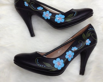 Handpainted heels (blue flowers)