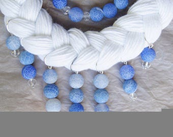 Necklace made of cotton ,agate and crystal