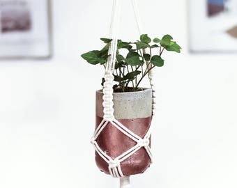 macrame for small plant or cactus + pot