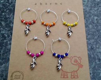Wine glass charms x 5 pack with ladies shoe