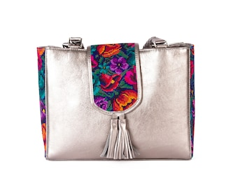 TRIQUI-leather handbag with handmade embroidery
