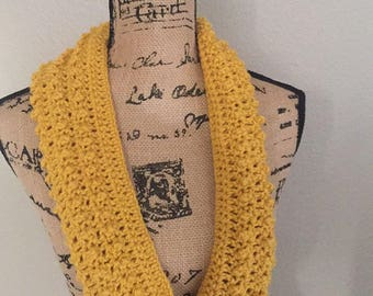 Yellow infinity scarf / Infinity Scarf / Yellow Scarf / Soft Scarf / Gift for Mom / Gift for Woman / Mother's Day Gift / Handmade Gift /