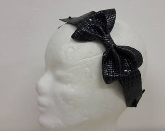 Black shiny headband leather upcycling bow structure Braided Leather