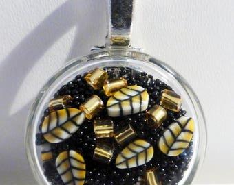 """Black """"Sparkle"""" glass pendant disc"""