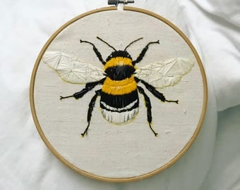 Bee wall hanging