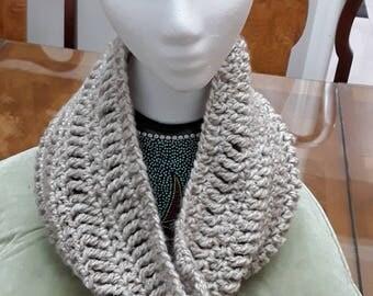 Infinity cowl. Crochet