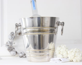 Champagne bucket.Silver plated champagne bucket.