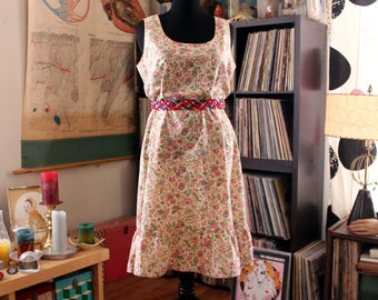 plus size boho shift dress, vintage handmade sundress . arts & crafts wallpaper style floral print