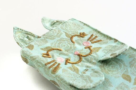 Kitten Clutch / Camilla. Mint rose wristlet. Cat lover gift. Cat bag. Kitten purse. Cute mint wristlet. Kitten wristlet.