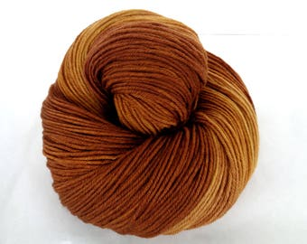 GOLDEN OAK, ultra soft hand painted merino yarn, superwash merino yarn, hand dyed merino yarn, 16 micron, fingering weight yarn, 400yds