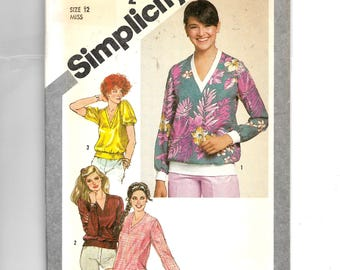 Simplicity Misses' Pullover Sweatshirt Top in Two Lengths Pattern 9852