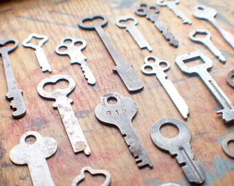 Antique Flat Key Lot - 20 Padlock Keys - Instant Collection