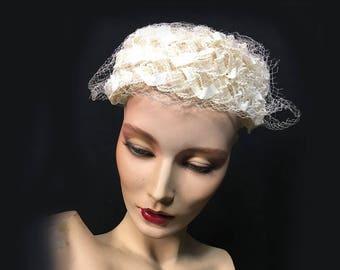 Vintage Women's Hat, 1960's, White, Raffia and Netting, Pillbox