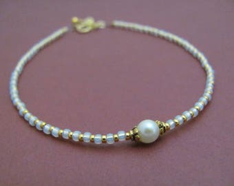 Dainty Pearl Bracelet, 24K Gold Glass Bead Bracelet, Delicate Beaded Bracelet, June Birthstone, 14K Gold Fill, Gift for Woman Wedding Bride