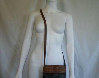 SALE 25% off SALE Vintage 80s 90s black brown Leather cross body bag purse