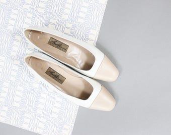 80's Amalfi Camel Cap Toe Leather Italian Pumps in Size 9 AA . Uniform Business Casual Student Heels . Pillow Heel Trudy Prep School Square