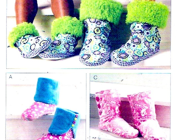 Snuggly Winter Slippers Kwik Sew 3926 Sewing pattern Adults Childrens sleepwear gifts diy UNCUT