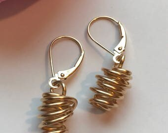 14k Gold Fill, Basket Earring, Lever Back Hook Earring