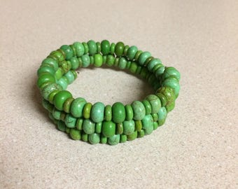 Green Turquoise Magnesite bracelet memory wire