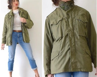 SUMMER SALE / 20% off Vintage 60s 70s Army Green Field Jacket (men's size small)