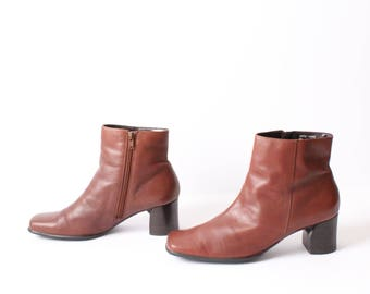 size 9 CHELSEA brown leather 80s 90s MINIMAL zip up ankle boot