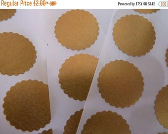 CLOSING DOWN SALE Rich gold circle sticker envelope seals with scalloped edges