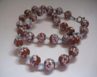Antique 20S or 30s Speckled Art Glass Beads Necklace from Czechoslovakia