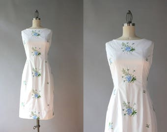 1960s Dress / Vintage 60s White Embroidered Cotton Dress / Early 1960s Fitted Boatneck Dress S small S/M