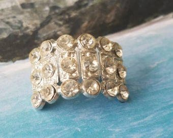 Vintage button 1 Art Deco  unique  cuff style, setting 1 inch glass rhinestone solitaire style, 1930's  (june16 17)