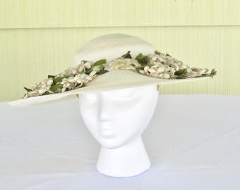 1950's vintage ivory straw wide brim platter hat with ivory flower ring