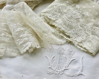 Vintage Lovely French Scalloped Edge Cream Lace