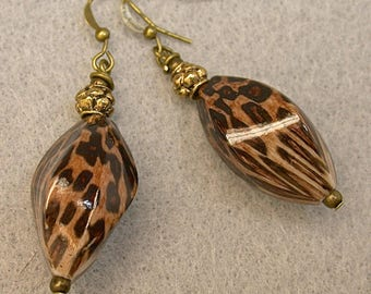 Vintage Lucite Leopard Pattern Bead Earrings Brown Black Dangle Drop, Antiqued Brass Beads,Antiqued Brass French Ear Wires - GIFT WRAPPED