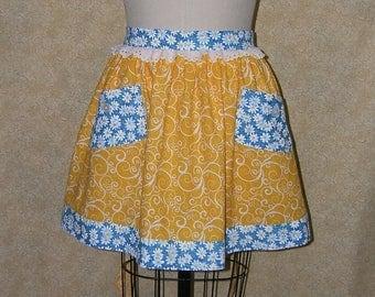 Daisy apron hostess style sunny yellow bright blue 2 pockets decorative button white eyelet lace unlined cotton waist tie apron bright