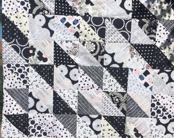 Quilt Top Black White Pink Blue   Ready to Quilt DIY Lap size Nursery Gift Baby Shower