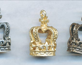 fabulous CROWN CHARM,  2 Pieces 2 Dimensional  Vintage Design