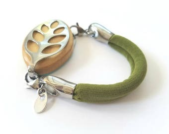 Bella Beat Leaf Bracelet Nature green stretch soft comfort band and stainless steel .925 sterling silver rain drop tag