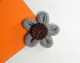 Flower brooch - Textile brooch pin - Wool brooch -  Made in Italy - Taupe beige brooch - Tweed brooch