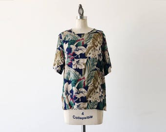 Vintage 1980s Navy Blue Olive Green Short Sleeve Tropical Print Top - L