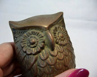 Vintage Brass Owl, Owl decor, Heavy Brass Owl, Wise Owl, Vintage Home Decor, Vintage Paperweight, Textured Owl,Owl Figurine,Small Owl,Unique