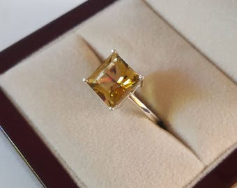 Sterling Silver Yellow Topaz Gemstone Princess Cut Ring Size 6 1/2