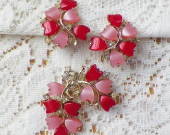 Gorgeous Pink and Red Pearly Heart Shaped Thermoset and Clear Rhinestone Brooch / Pin and Clip On Earrings Set, Rhinestones, Hearts, Clips